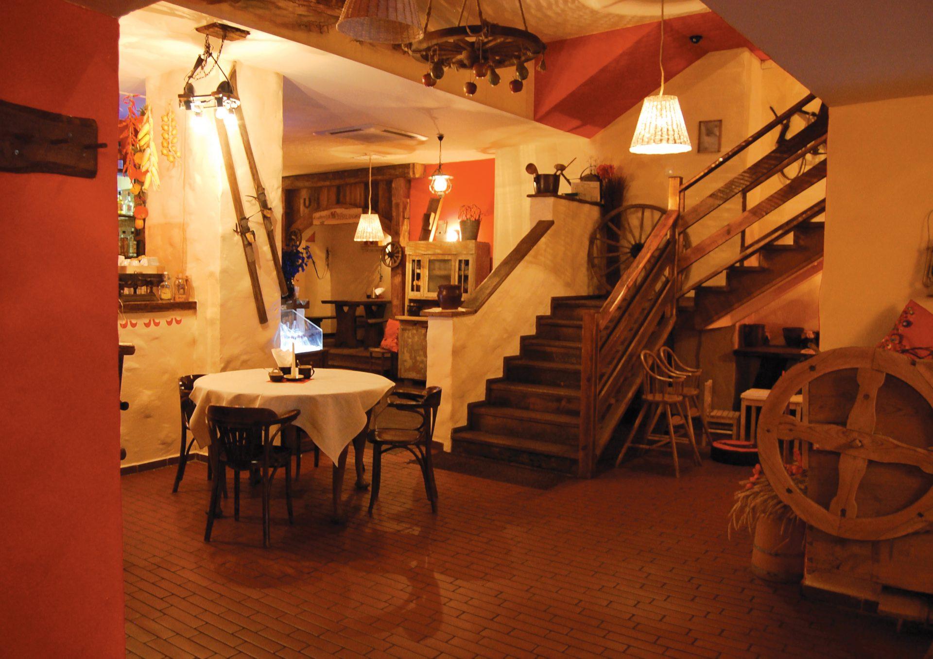 Wnętrze restauracji Chłopskie Jadło w Poznaniu